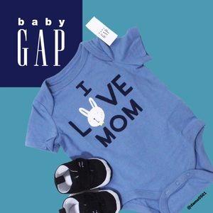 "NWT Baby Gap ""I Love Mom"" ♥️ Blue Graphic Onesie"